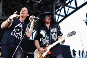 Slash-ft-Myles-Kennedy-and-the-Conspirators-61