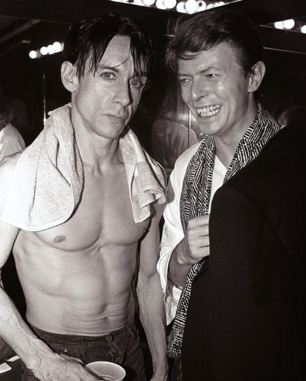 David-Bowie-and-Iggy-Pop-in-the-1970s-11